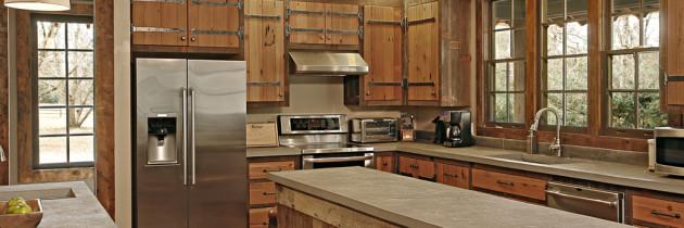 Kitchen – Classic Cabin