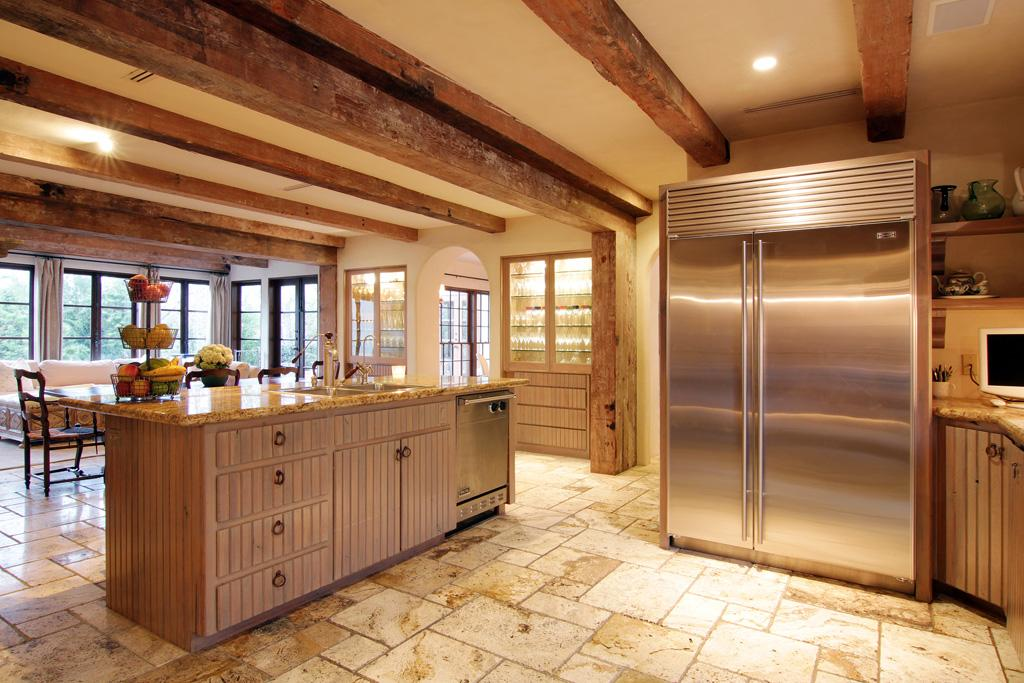 Kitchen beamed ceiling 2 shadder wa custom cabinets for Kitchen cabinets houston